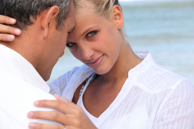 The Obvious Perks of Dating Older Men